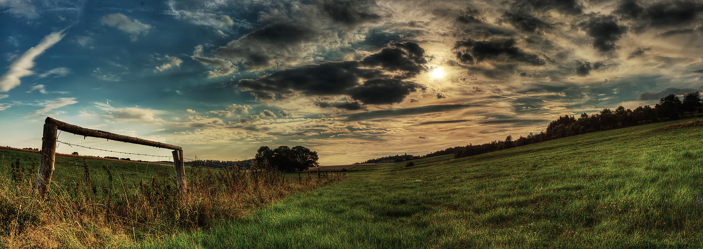 Baum Wolken Himmel 03