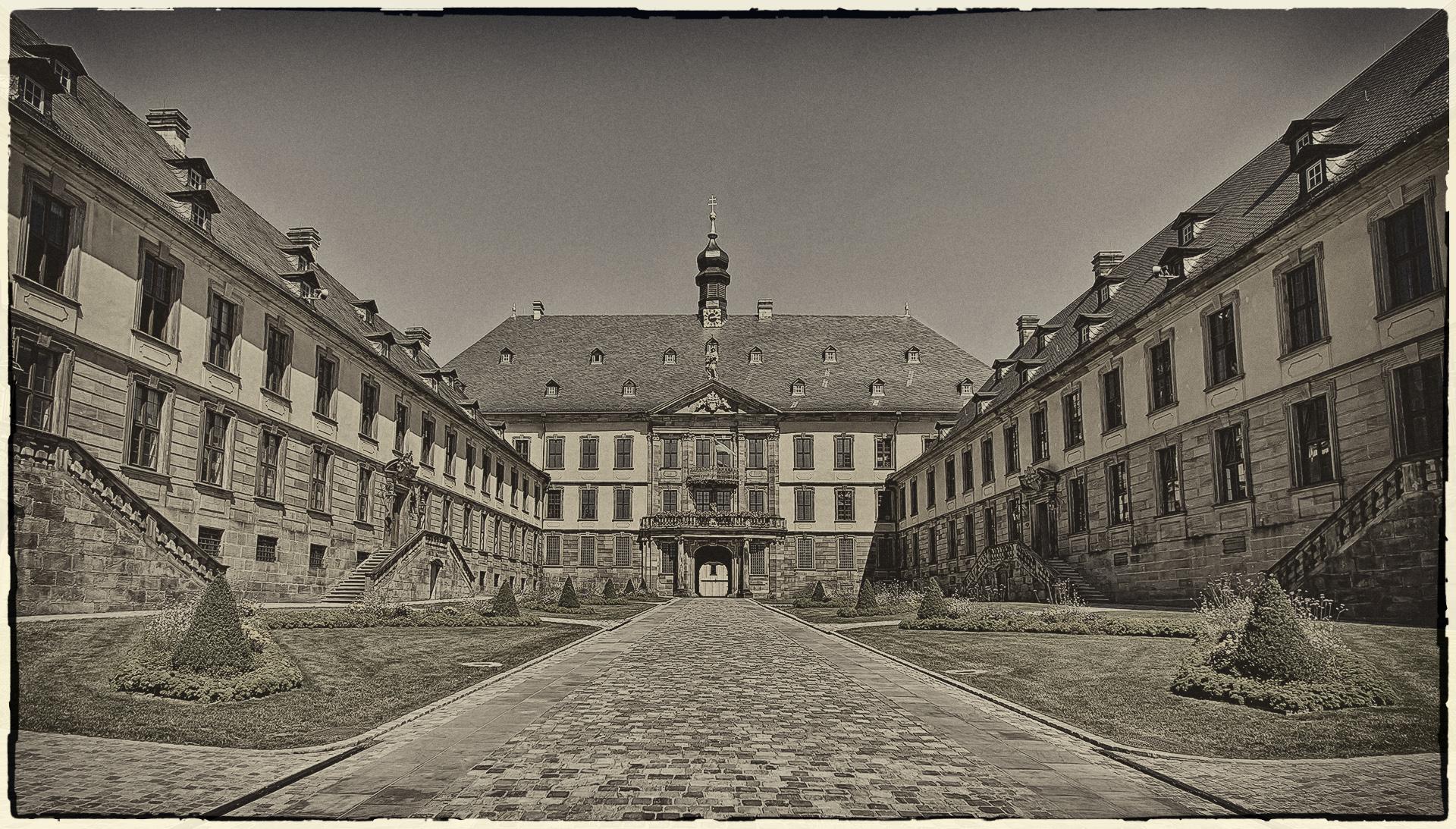 Fulda_Stadtschloss_entsaettigt