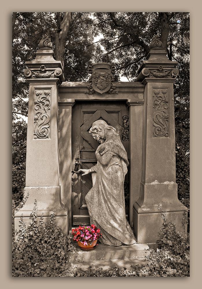 Grabmal Grünberg alter Friedhof
